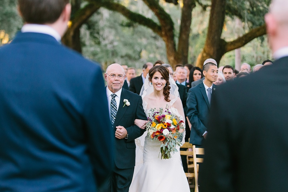Lindsey_A_Miller_photography_charleston_mcleod_plantation_wedding_row_of_oaks_southern_classic_fall_spanish_moss_historic_home_059.jpg