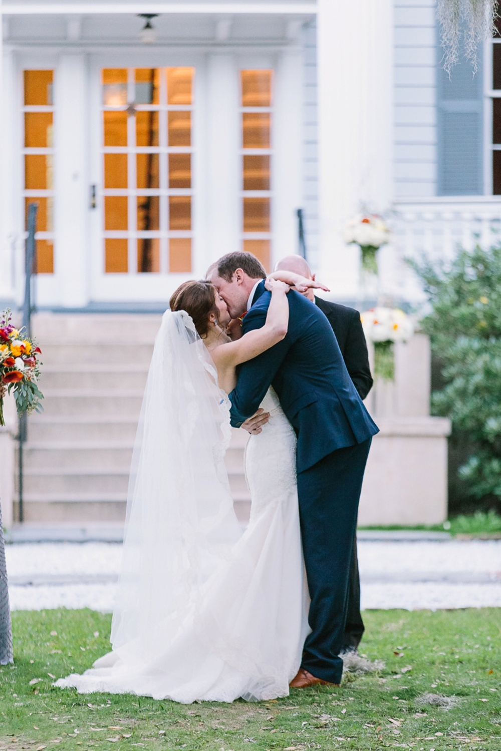 Lindsey_A_Miller_photography_charleston_mcleod_plantation_wedding_row_of_oaks_southern_classic_fall_spanish_moss_historic_home_064.jpg
