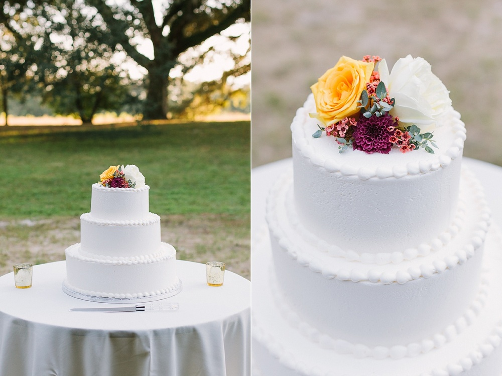 Lindsey_A_Miller_photography_charleston_mcleod_plantation_wedding_row_of_oaks_southern_classic_fall_spanish_moss_historic_home_069.jpg