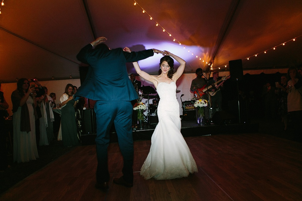 Lindsey_A_Miller_photography_charleston_mcleod_plantation_wedding_row_of_oaks_southern_classic_fall_spanish_moss_historic_home_073.jpg