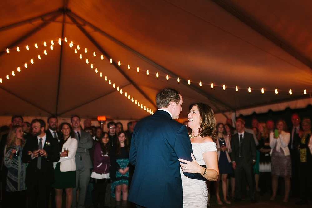 Lindsey_A_Miller_photography_charleston_mcleod_plantation_wedding_row_of_oaks_southern_classic_fall_spanish_moss_historic_home_075.jpg