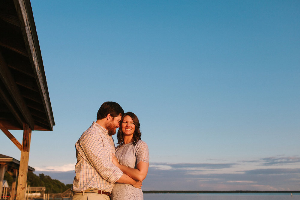 A summer engagement session near Wilmington, North Carolina at L