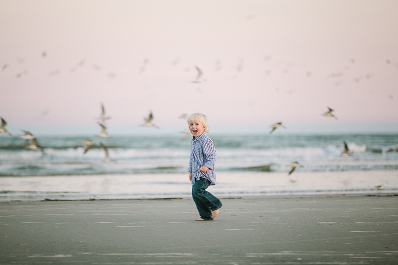 charleston_family_beach_photographer_lindseyamillerphotography_13.jpg