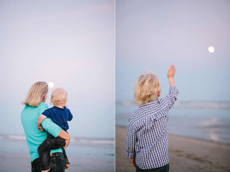 charleston_family_beach_photographer_lindseyamillerphotography_18.jpg