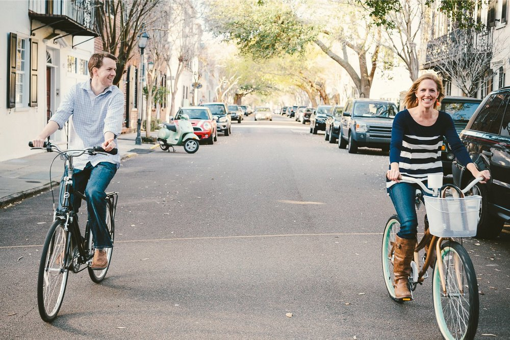 Alicia_Rob_Historic_Downtown_Charleston_Engagement_Session_02_stomp.jpg