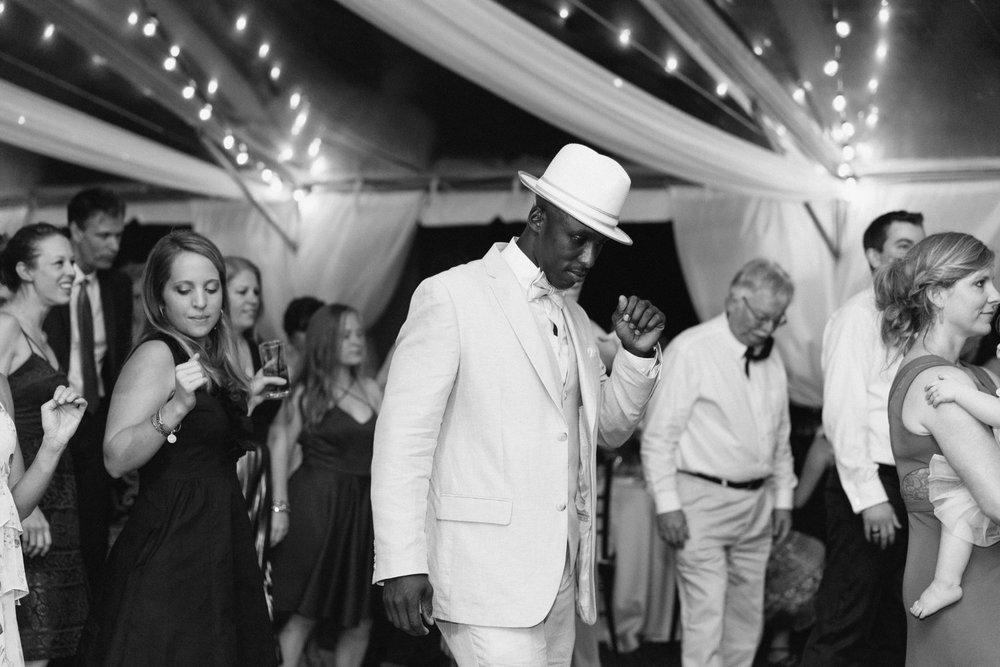 Lindsey_A_Miller_Photography_mcleod_plantation_wedding_charleston_south_carolina_clear_tent_spring_mod_events_091.jpg