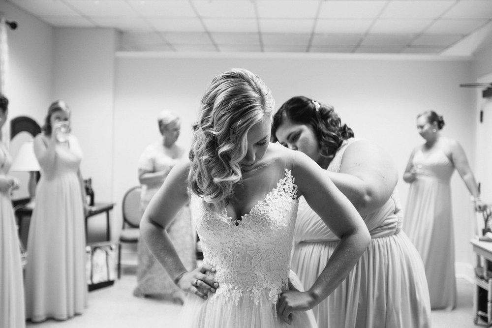Lindsey_A_Miller_Photography_wedding_southport_community_building_bubbly_events_north_carolina_coasta_cannon_nautical_historic_006.jpg