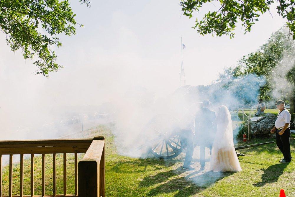 Lindsey_A_Miller_Photography_wedding_southport_community_building_bubbly_events_north_carolina_coasta_cannon_nautical_historic_030.jpg