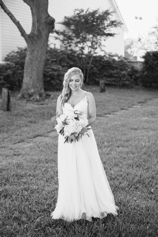 Lindsey_A_Miller_Photography_wedding_southport_community_building_bubbly_events_north_carolina_coasta_cannon_nautical_historic_051.jpg