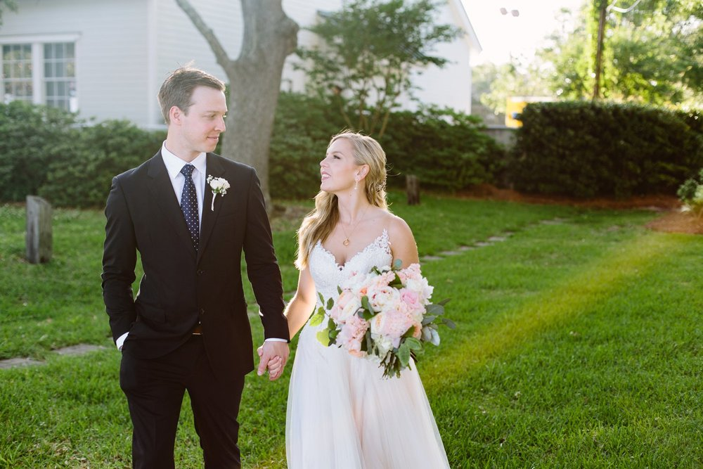 Lindsey_A_Miller_Photography_wedding_southport_community_building_bubbly_events_north_carolina_coasta_cannon_nautical_historic_056.jpg