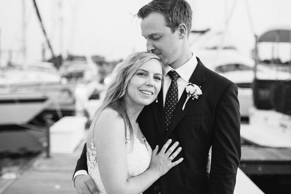 Lindsey_A_Miller_Photography_wedding_southport_community_building_bubbly_events_north_carolina_coasta_cannon_nautical_historic_065.jpg