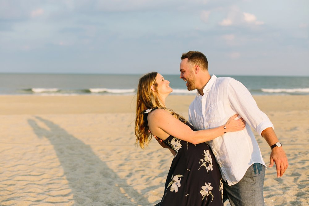 Fort-Fisher-engagement-session-beach-wilmington-north-carolina-lindseyamillerphotography_0005.jpg