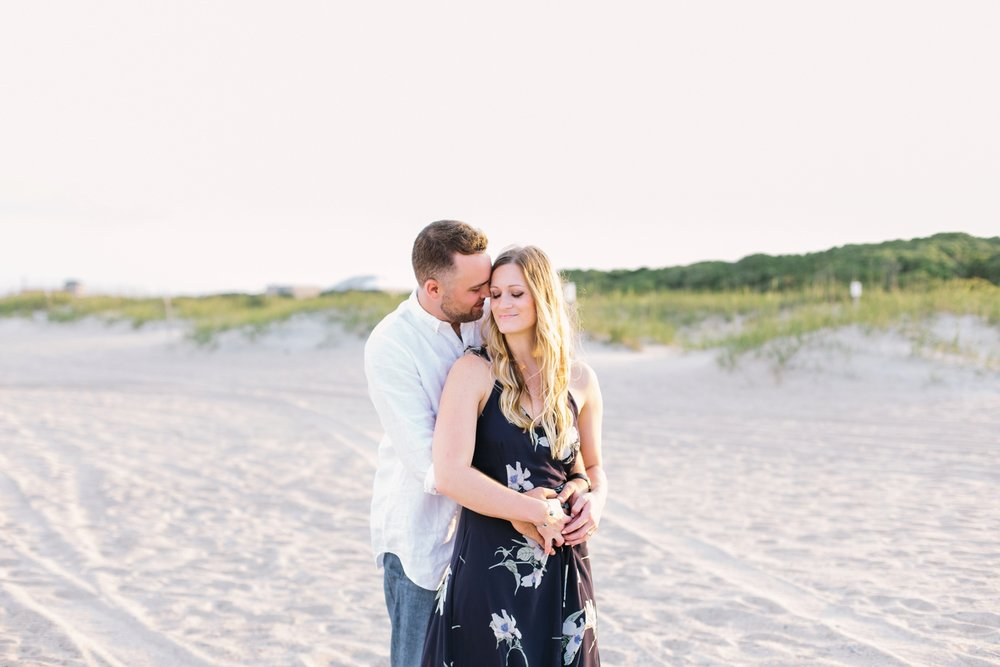 Fort-Fisher-engagement-session-beach-wilmington-north-carolina-lindseyamillerphotography_0007.jpg
