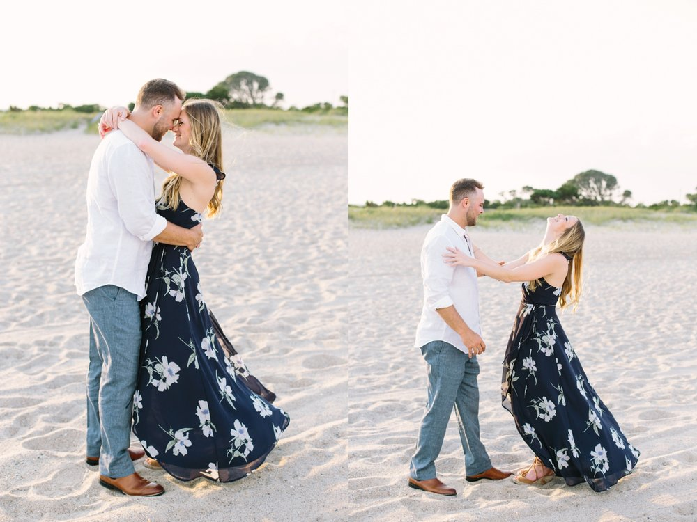 Fort-Fisher-engagement-session-beach-wilmington-north-carolina-lindseyamillerphotography_0008.jpg