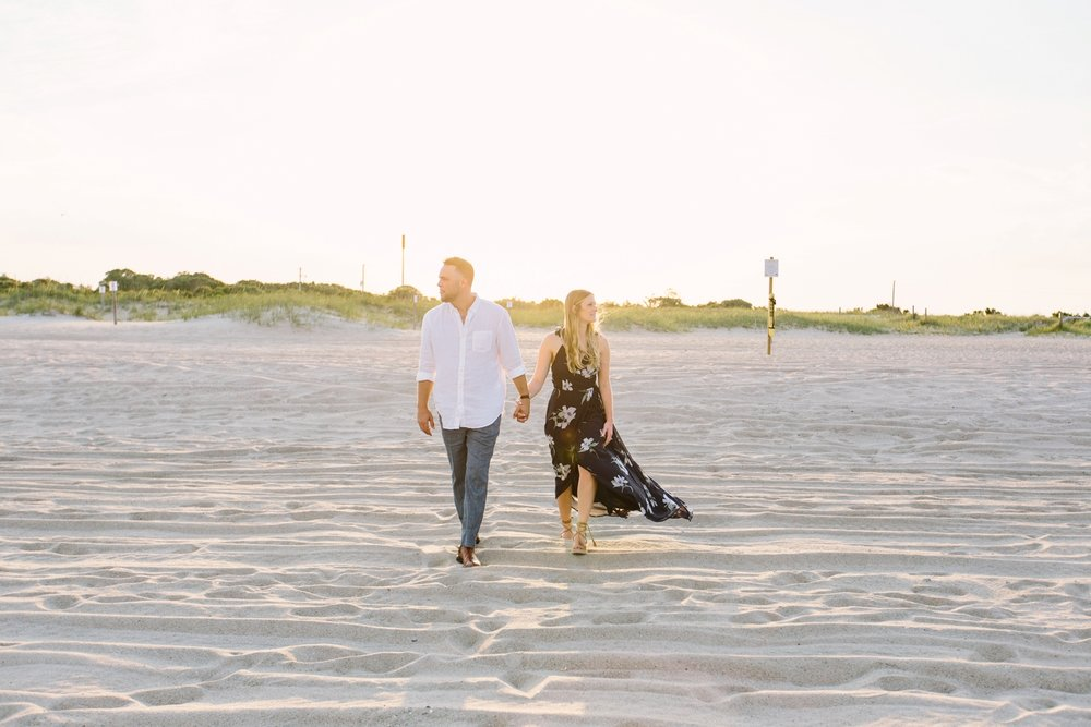 Fort-Fisher-engagement-session-beach-wilmington-north-carolina-lindseyamillerphotography_0009.jpg