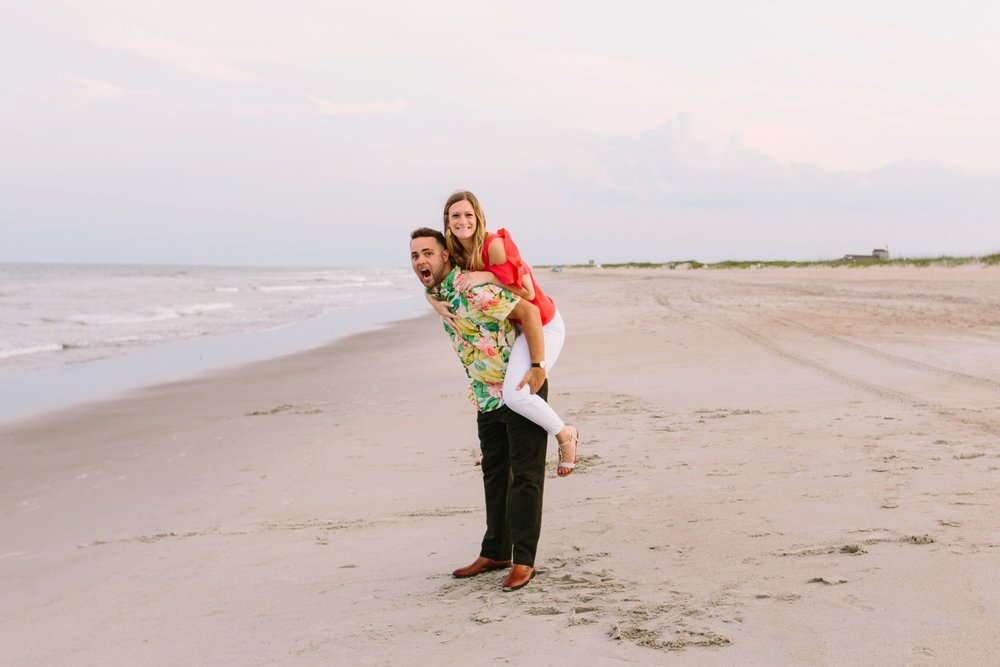 Fort-Fisher-engagement-session-beach-wilmington-north-carolina-lindseyamillerphotography_0023.jpg