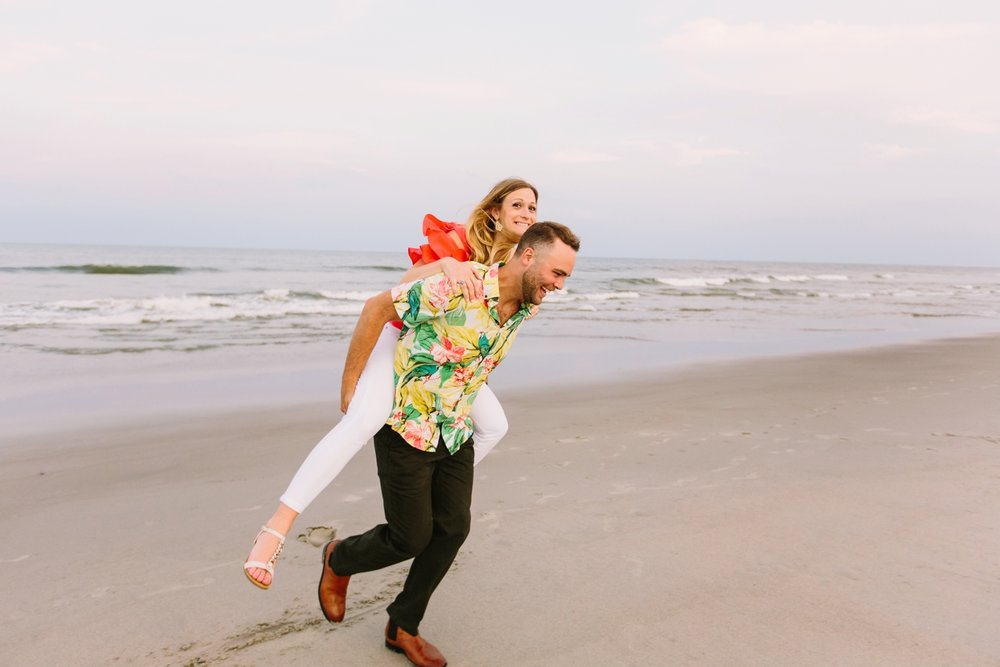 Fort-Fisher-engagement-session-beach-wilmington-north-carolina-lindseyamillerphotography_0024.jpg