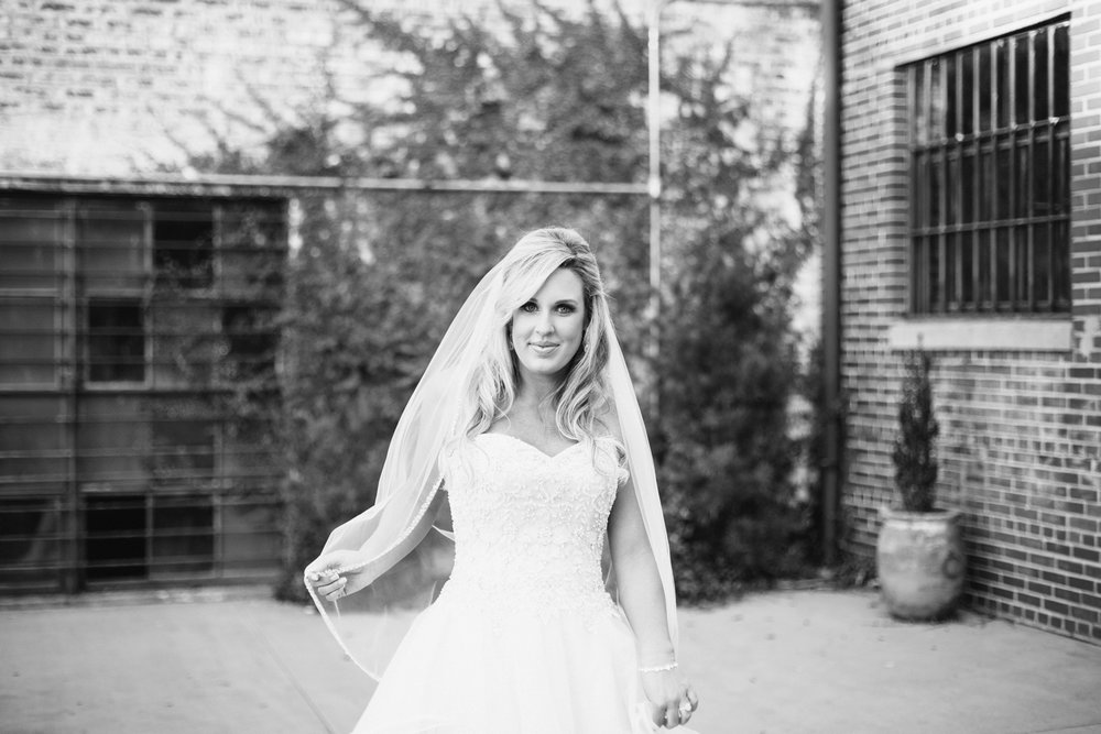 bakery-105-downtown-wilmington-north-carolina-bridal-session-samantha_0042.jpg