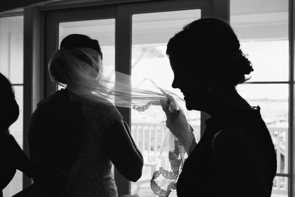lindseyamillerphotography-charleston-harbor-resort-beach-wedding-11.JPG