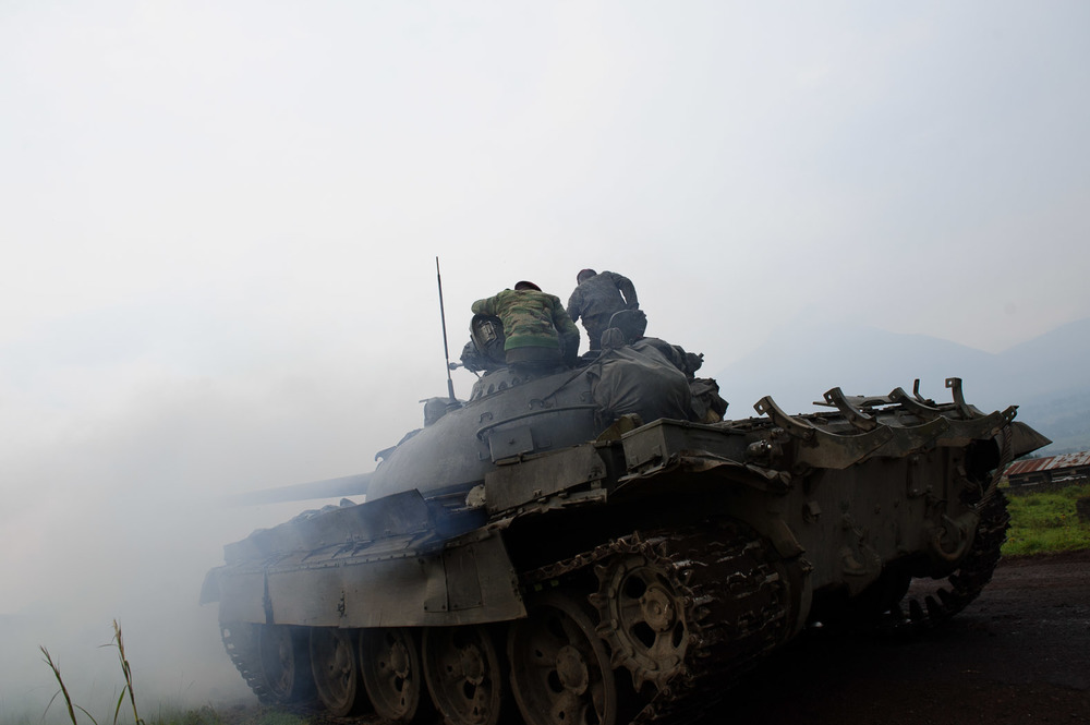 The national army attempted to prevent rebels from approaching Goma, trying to maintain a buffer zone of around 30km.