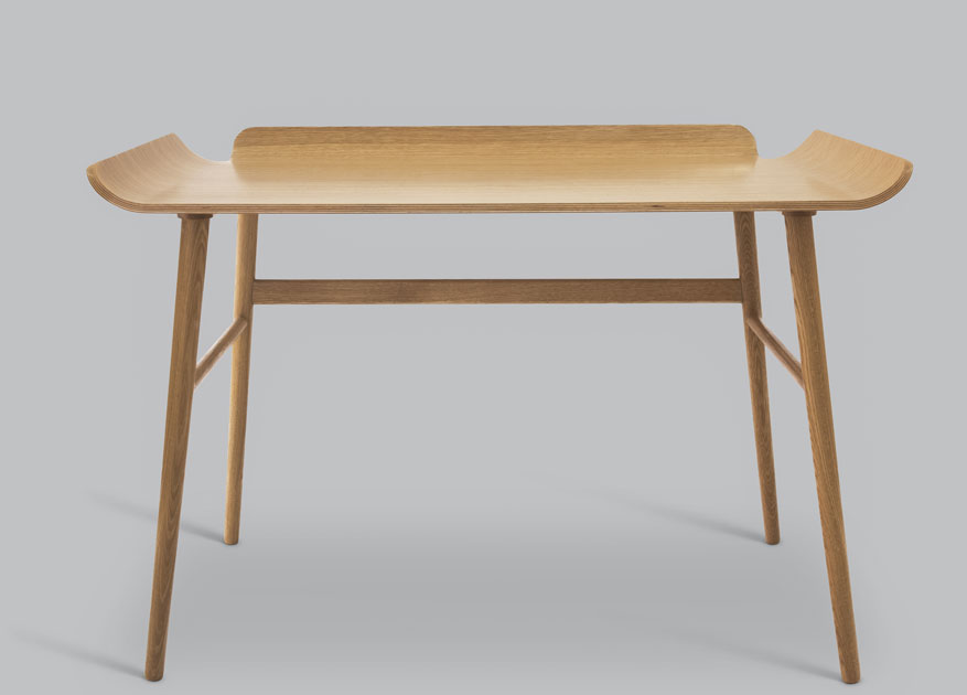Alto table. Designed by Andreas Engesvik for FjordFiesta. Photo: Kaja Bruskeland