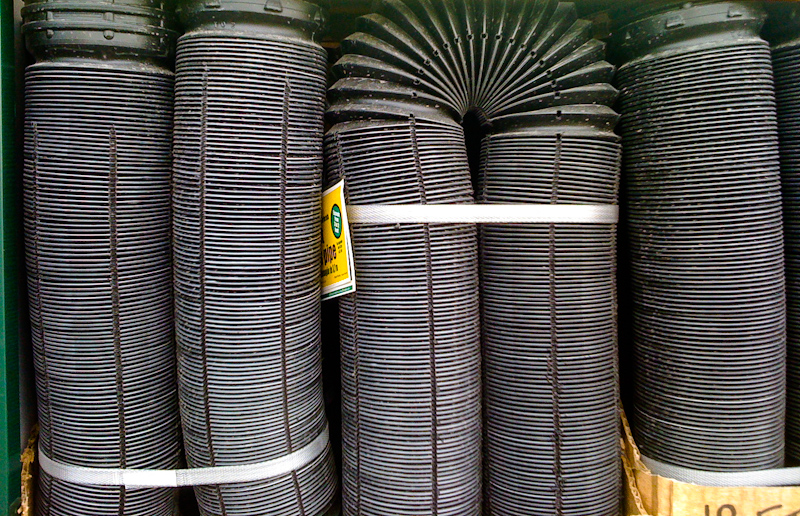 Flexible drainage pipes