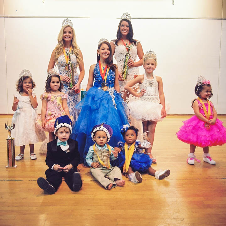 Over all winners from the Sunburst beauty pageant.