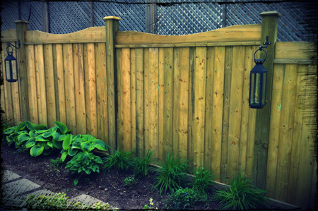 Click through to see our full wood fence picture gallery