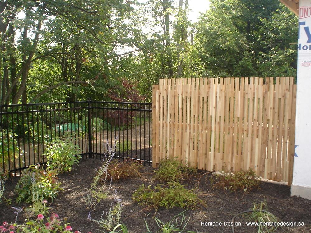 Heritage Design Cedar Fence 0003.jpg
