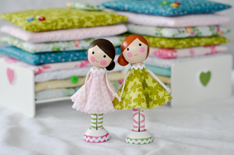 The products of a few crafternoons! Princess and the Pea clothespeg doll play sets.