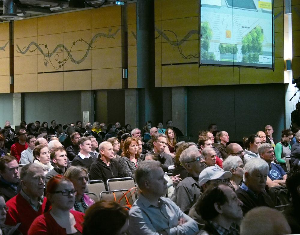 2014_0305 Audience 1.jpg