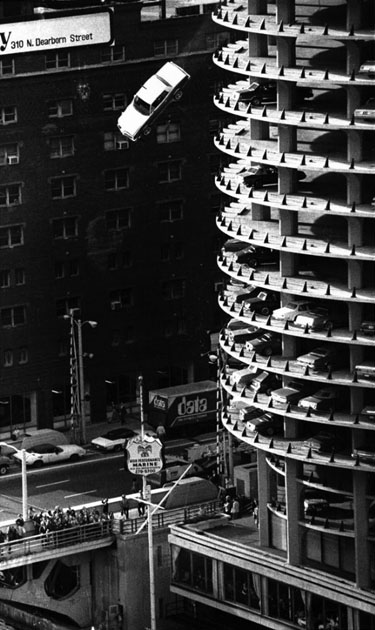 calumet412 :     Famous scene from The Hunter, c.1980, Marina City, Chicago.
