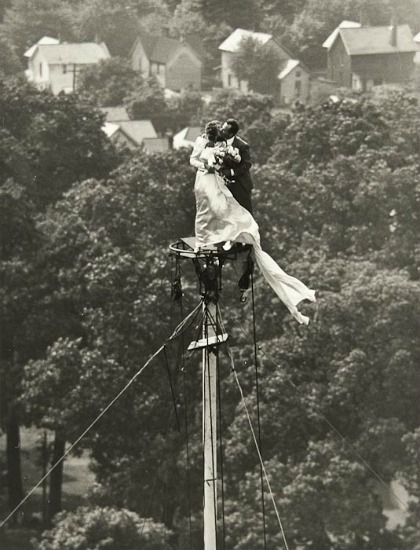 whitehotel :     Allan Grant,  Flag pole wedding  (1946)