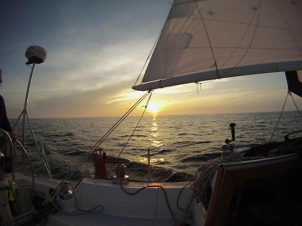 Måndag kväll bjöd på en fin solnedgång. Photo by: Rory Finneren