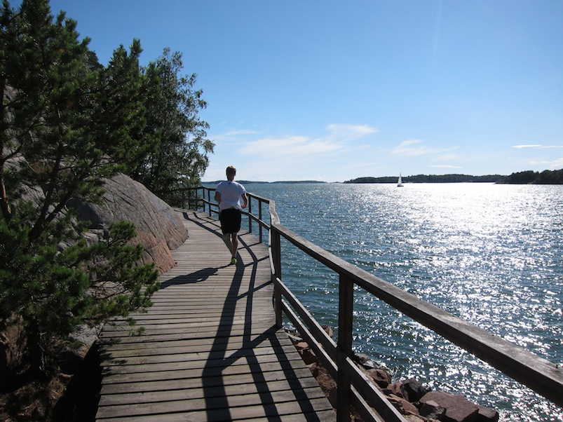 Running along the waterside trail in Mariehamn