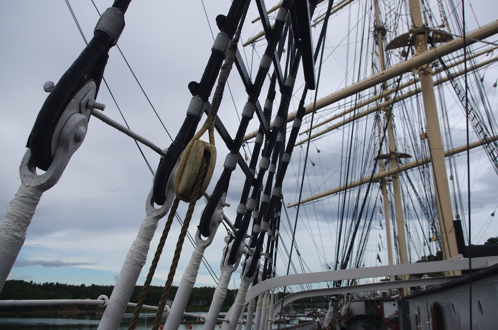 'Pommern's' impressive four-masted rig.