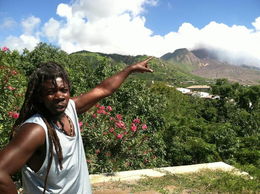 Vår guide Theodor visade oss runt Montserrat