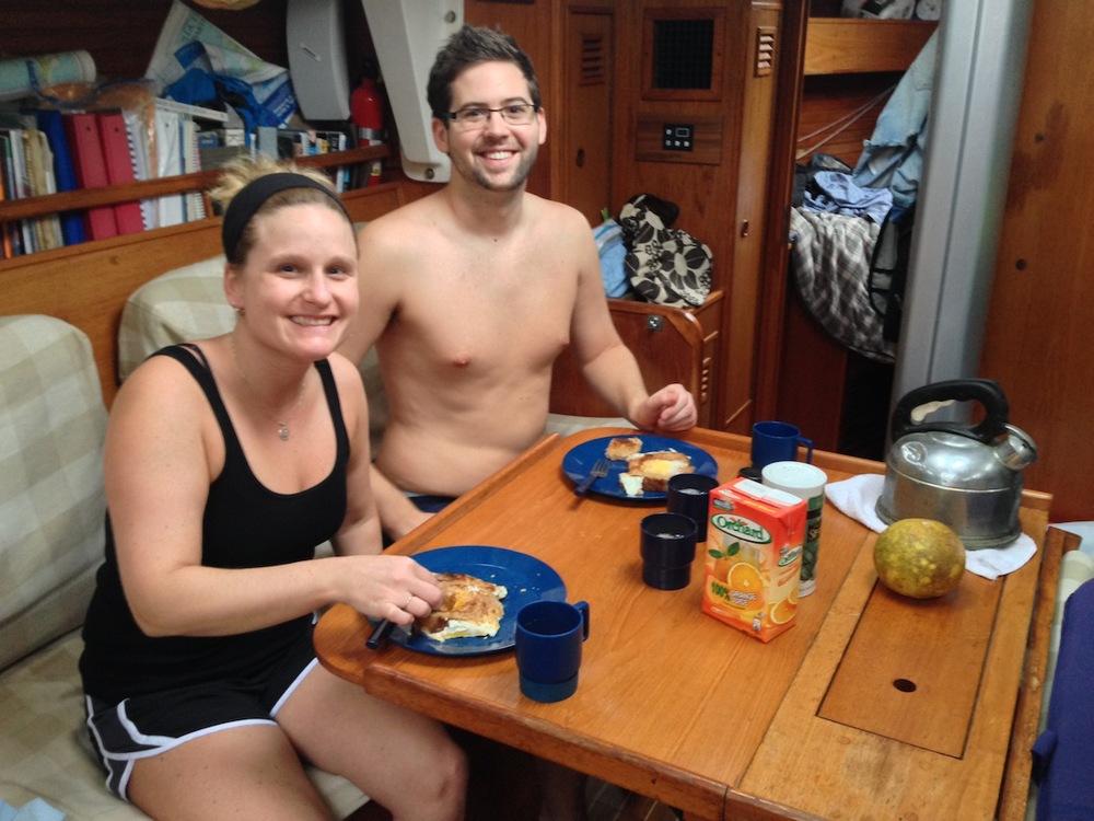 Frukost på båten, Katie o Kevin