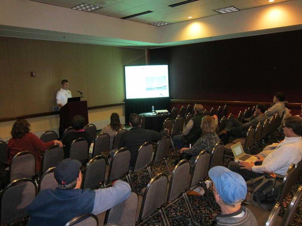 Andy håller en föreläsning i Chicago