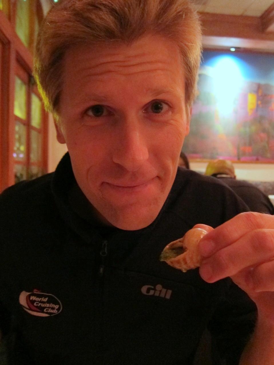Andy äter sniglar