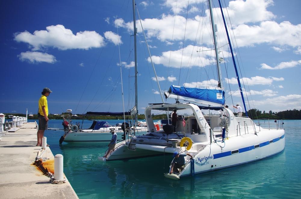 Lyall välkomnar andra båten, 'Mariposa'