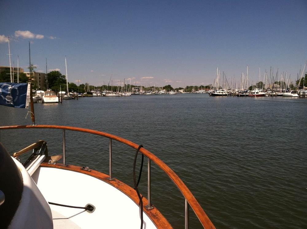 Tortuga  lämnar Annapolis Söndag eftermiddag