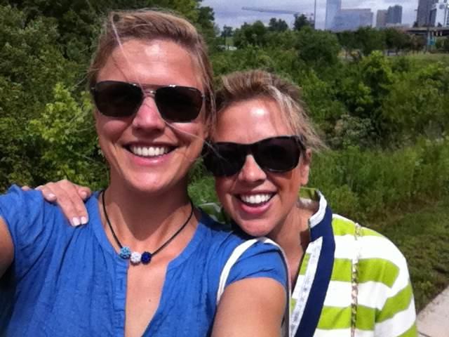 """Jag o Katie, en av Andy's barndomsvänner hittade promenadstråket """"Greenway"""""""