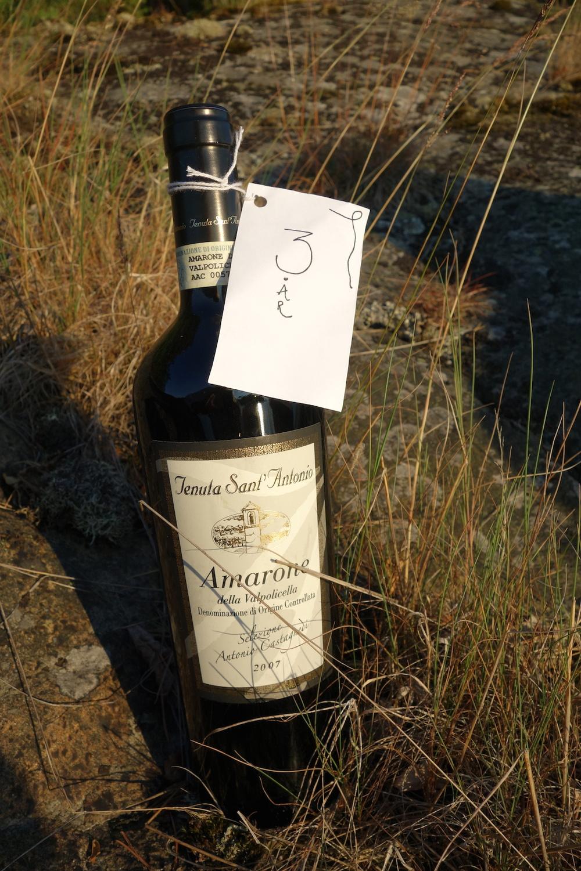 Bröllopspresent från Carolina o Martin, vin att öppna på 3-årsdagen!