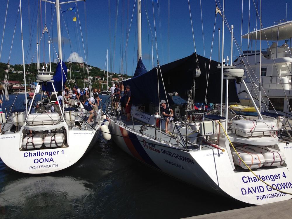 Två Challnger-båtar i ARC