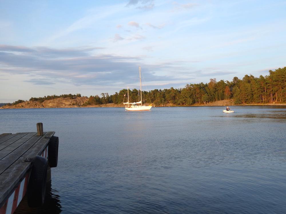 Arcturus anchored at Nåttarö