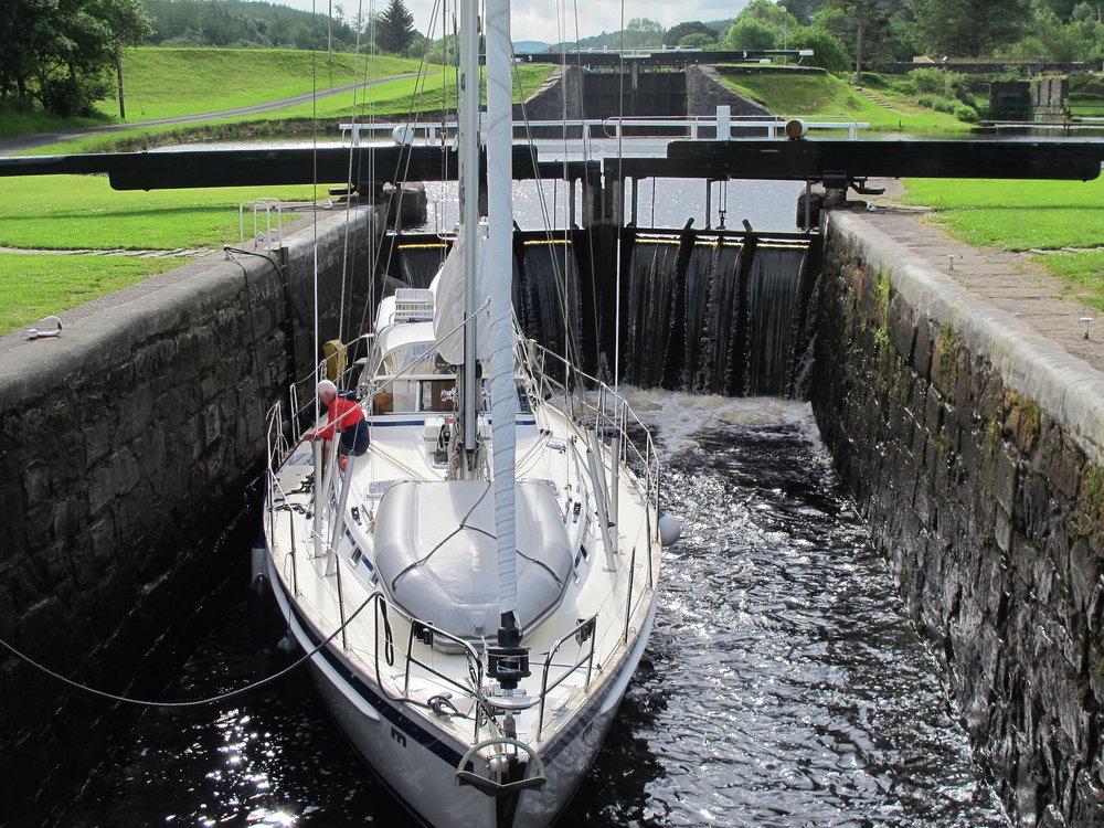 Crinan canal (9).JPG