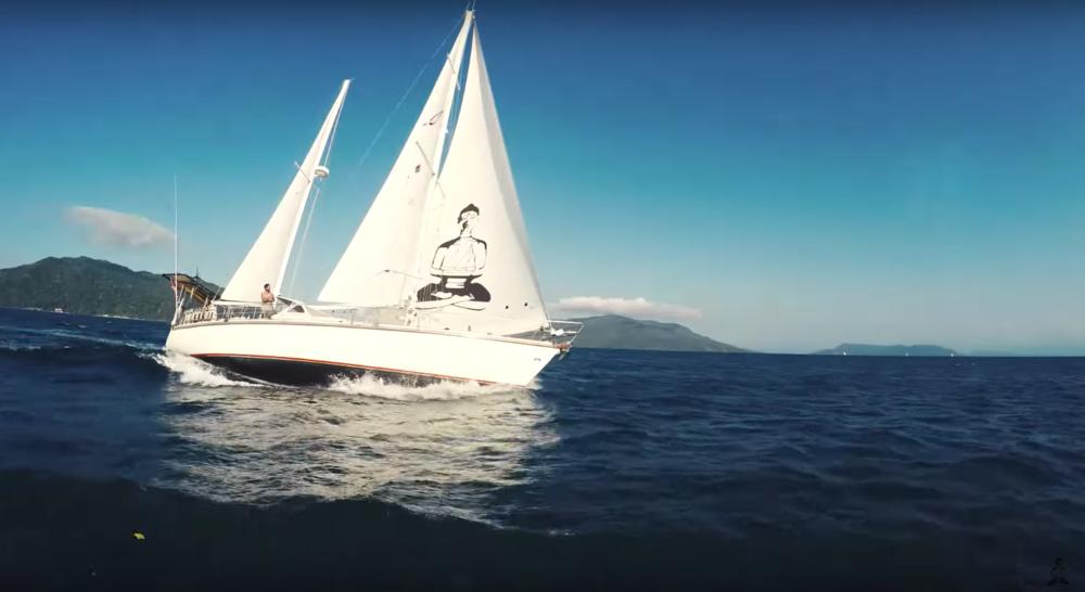 Delos sailing.png