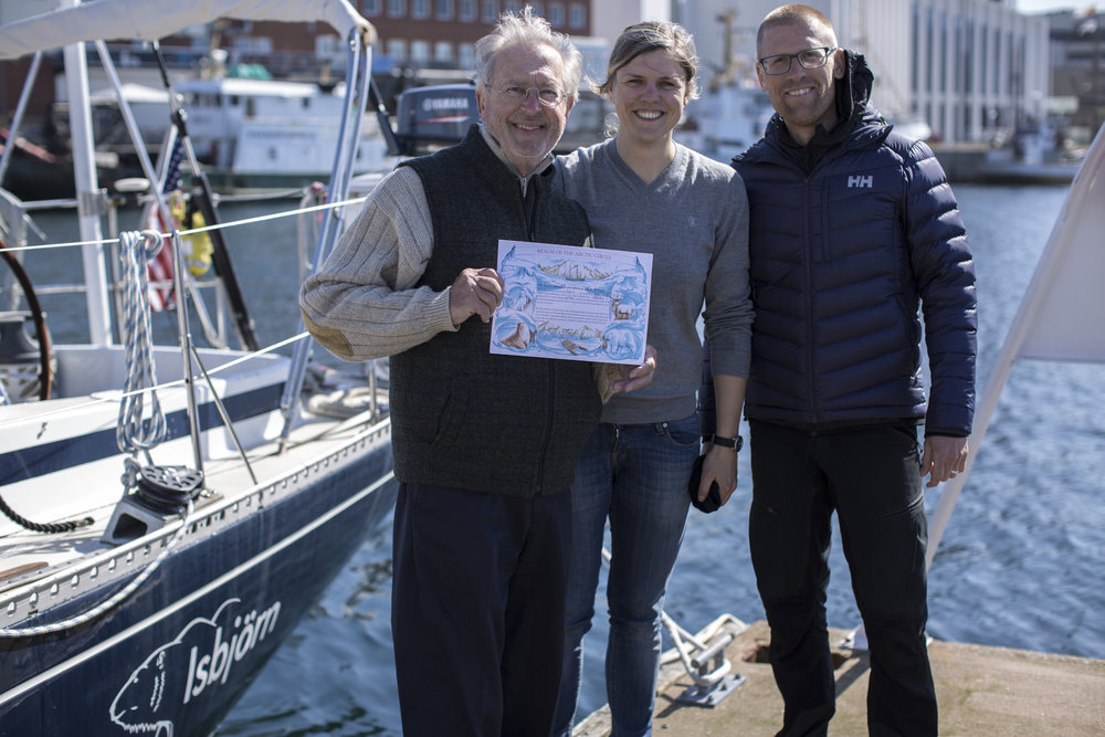 We bode goodbye to Dick in Bodø after we issued him his official 'Bluenose' certificate, courtesy of  our friend Thomas!