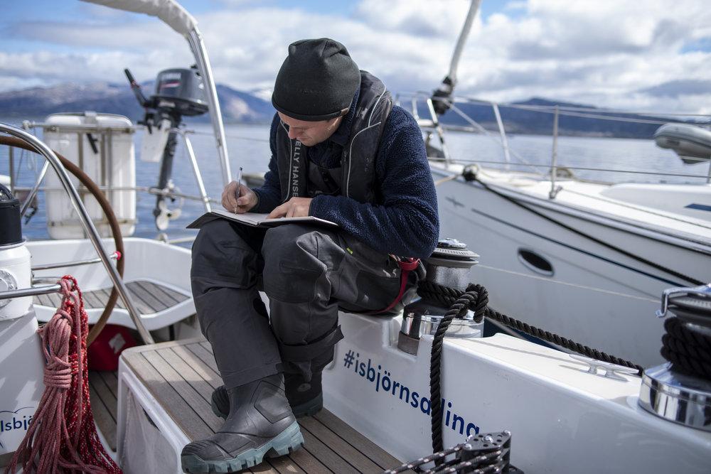 Mats Grimsaeth  signing Isbjorn's guest book when we met in Lodingen.
